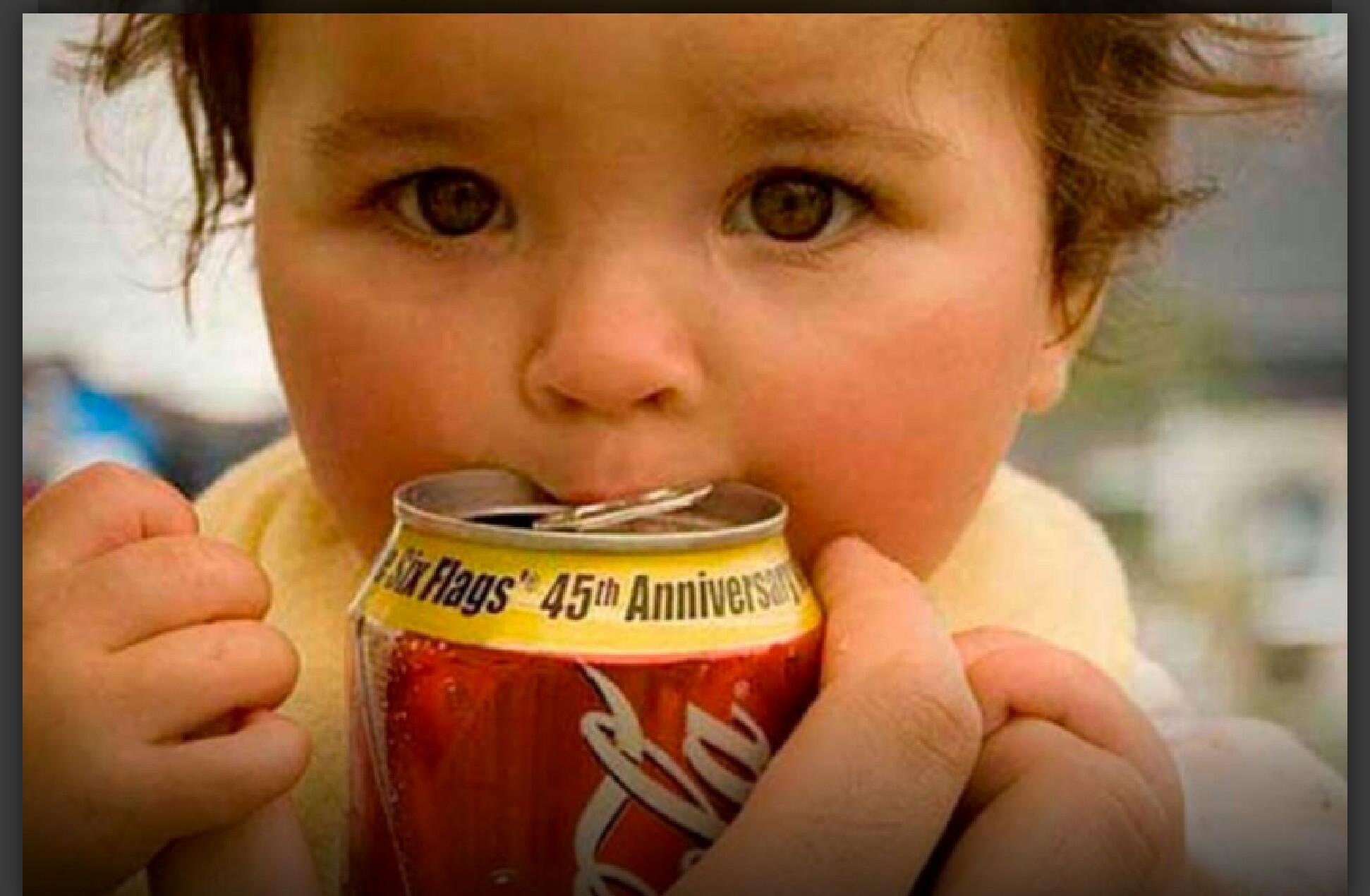 Resultado de imagem para Médicos estão implorando para que pais deixem de dar Coca-Cola para os filhos.