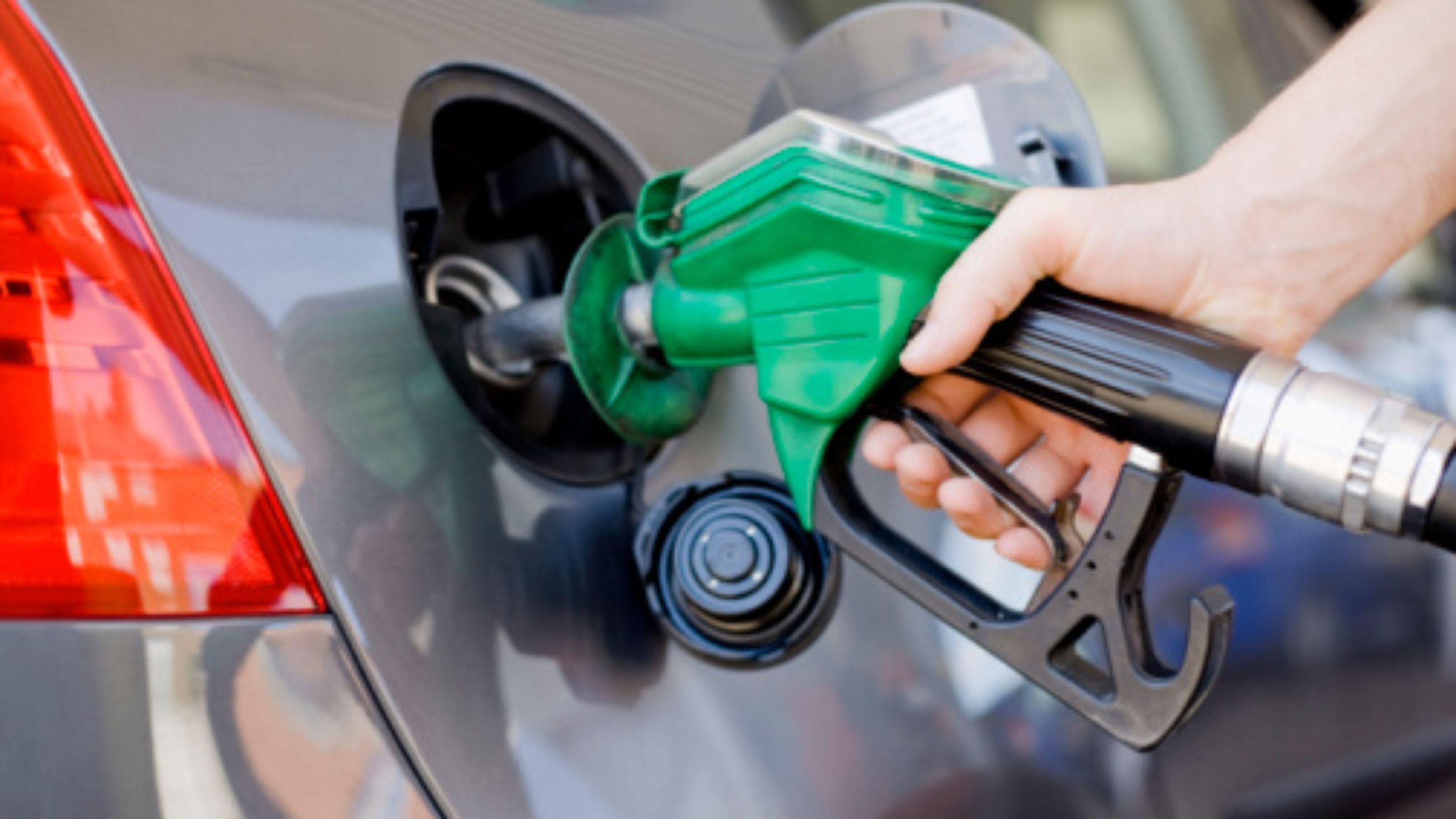 Resultado de imagem para abastecimento de gasolina