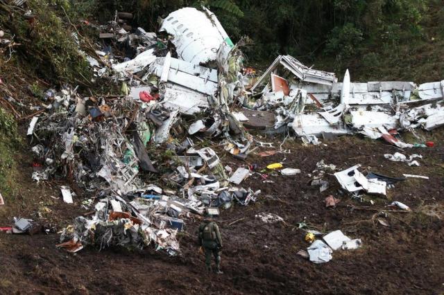 Piloto da Avianca revela diálogo dramático de voo da Chape com torre