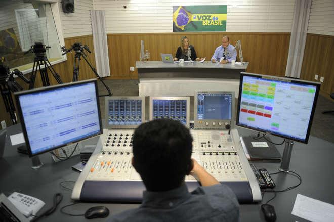 ABERT URGENTE - Câmara aprova flexibilização definitiva do programa A Voz do Brasil