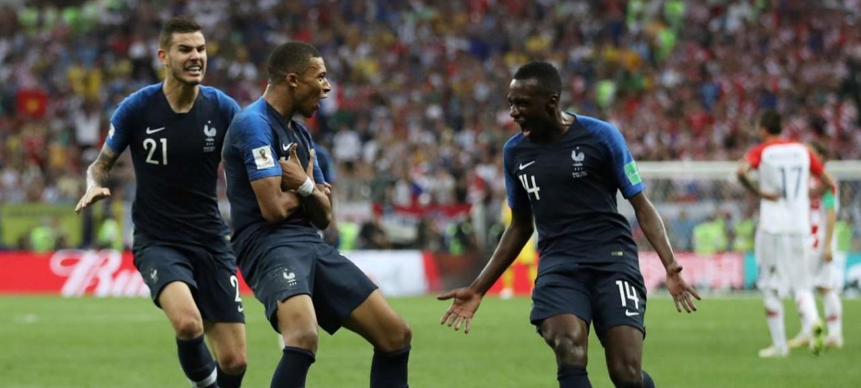 40d5fe1b9e França bate a Croácia em jogo de 6 gols e é bicampeã do mundo ...